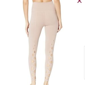 Beyond yoga live on high rise blush leggings small